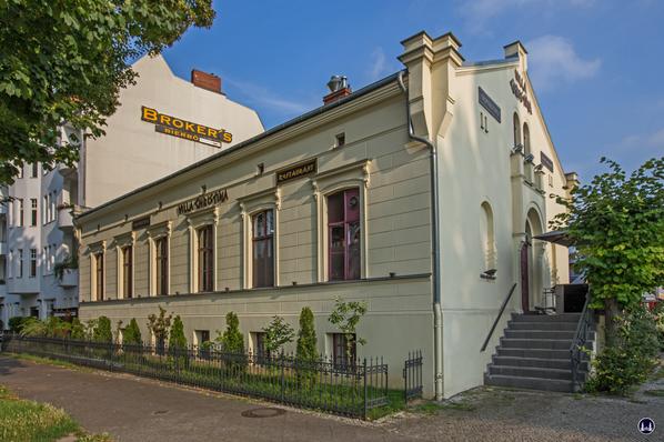 Alter Gutshof Freiberg, Alt-Mariendorf in Berlin. Ansicht vom Mariendorfer Damm.