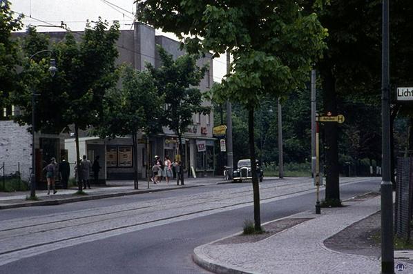 Ansicht der Roma-Lichtspiele in den 1950er Jahren.
