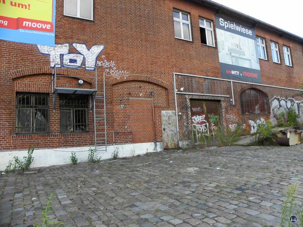 Zollpackhof der Anhalter Bahn, Berlin, Yorckstraße. Ehem. Tore an der Ladestraße.