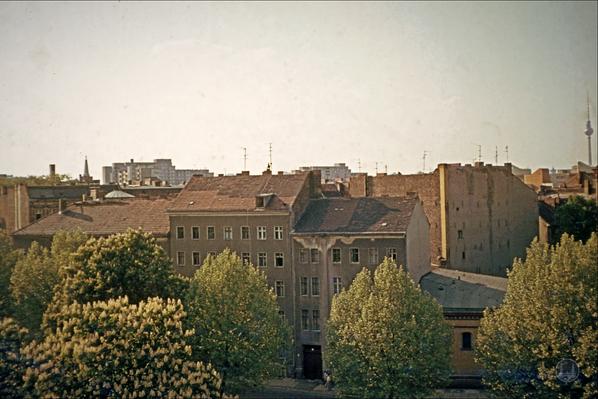 Blick auf das Fraenkelufer im Jahre 1979.