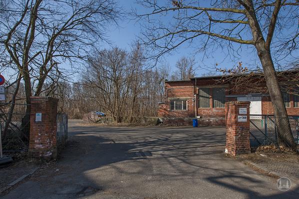 Stellwerk Lio in Berlin Lichterfelde - Ost. Einfahrt zum Güterbahnhof.