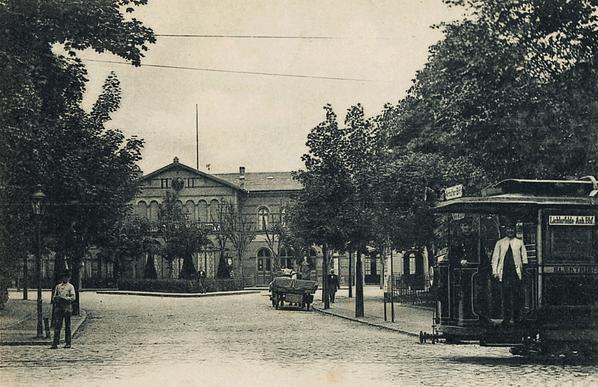Stellwerk Lio in Berlin Lichterfelde - Ost. Alte Postkarte des ersten Bahnhofs.