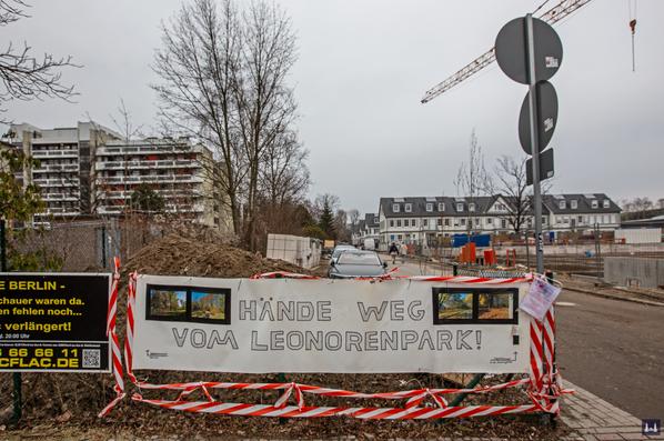 Die Kuranstalt Berolinum an der Lankwitzer Leonorenstraße. Proteste gegen die Baumfällungen im alten Kurpark.