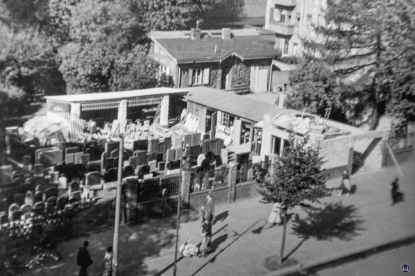 Erste Erweiterung 1952.
