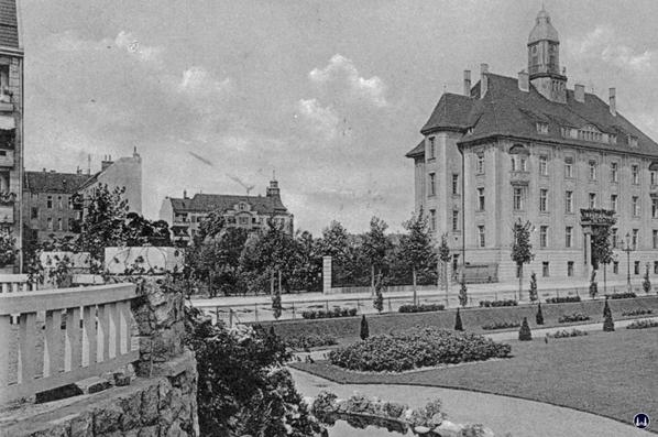 Molz Raumdesign am Mariendorfer Damm. Altes Rathaus Mariendorf, Nahansicht.