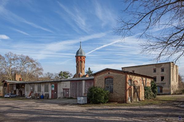 Historischer Gutshof Schloss Dahlewitz. Rückseite der Schmiede und des Waschhauses.