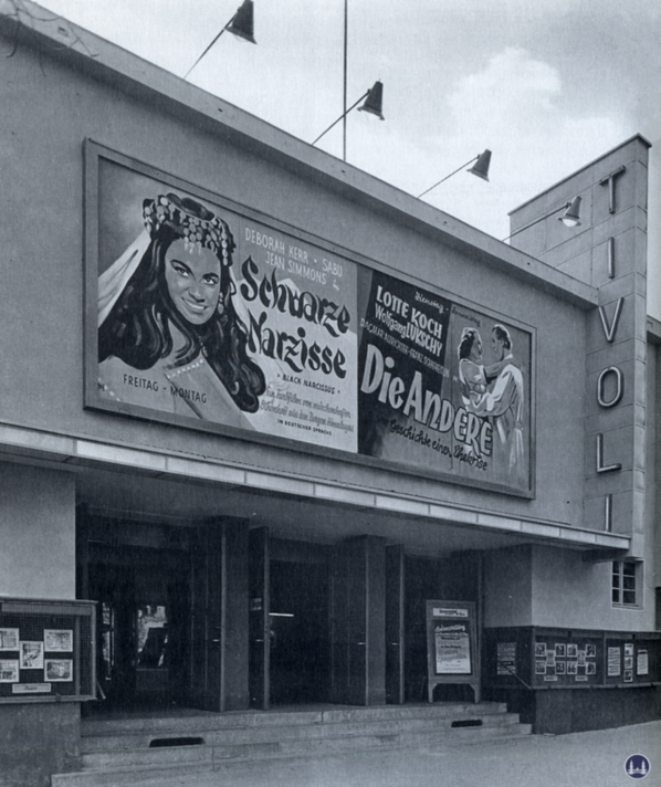 Das Tempelhofer Tivoli an der Friedrich - Karl - Straße. Fassadenfront des Kinos.