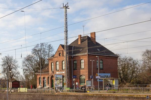 Die Königliche Militär-Eisenbahn. Bahnhof Zossen, Gleisseite.