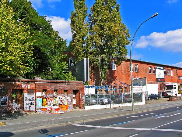 Zollpackhof der Anhalter Bahn, Berlin, Yorckstraße. Ansicht Gleichrichterwerk mit Bedürfnisanstalt.