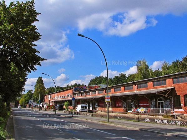Zollpackhof der Anhalter Bahn, Berlin, Yorckstraße. Ladestraße an der Yorckstraße in Richtung Brücken.