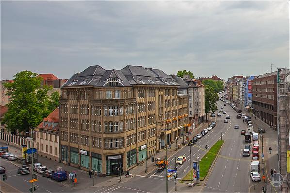 Bruno Taut Haus Berlin-Kreuzberg. Rollkrug-Haus am Hermannplatz. Errichtet von Arthur Vogdt.