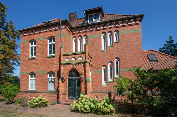 Die Königliche Militär-Eisenbahn. Bahnhof Rangsdorf, Straßenseite.