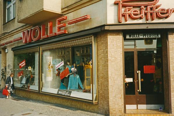 Wolle-Pfeiffer, Berlin Mariendorfer Damm. Ladengeschäft, Aufnahme 1992.