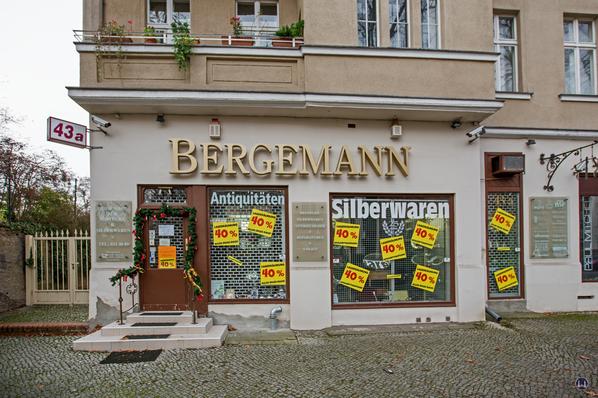 Bergemann Besteck- und Silberwaren. Berlin Lichterfelde West. Schaufensterfront Drakestraße