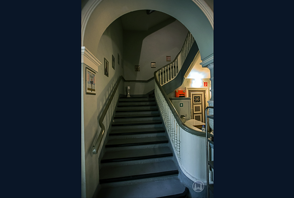 Blick ins Treppenhaus im Jahr 2017.
