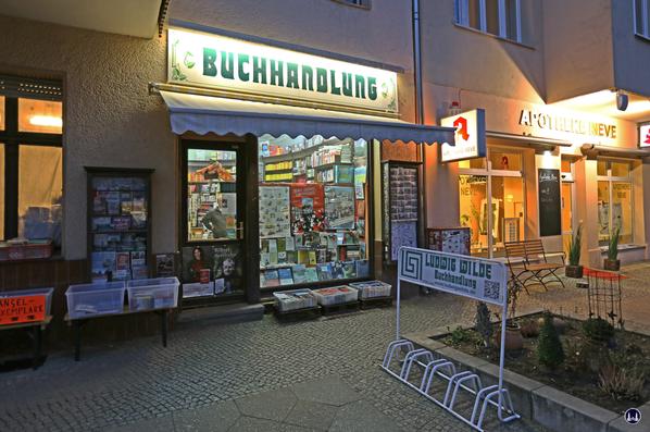 Ludwig Wilde Buchhandlung. Kreuzberg, Körtestraße.  Aussenansicht des Ladens in der Körtestraße heute.