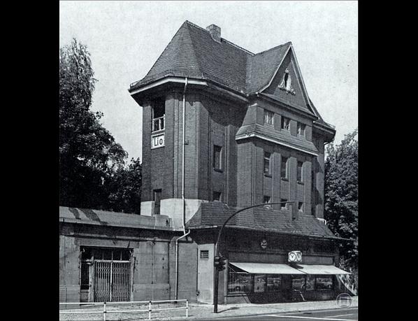 Stellwerk Lio in Berlin Lichterfelde - Ost. Das Stellwerk vor dem Umbau.