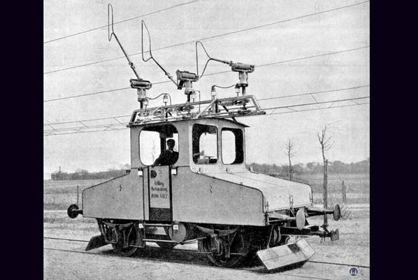Die Königliche Militär-Eisenbahn. Die Versuchslok auf der Strecke Lichterfelde - Zehlendorf.