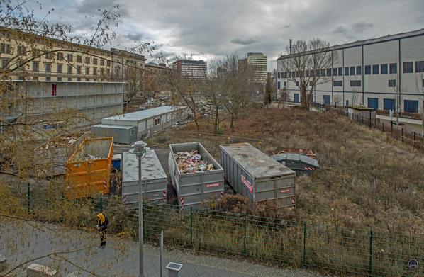Blick in den ehemaligen Mauerstreifen.