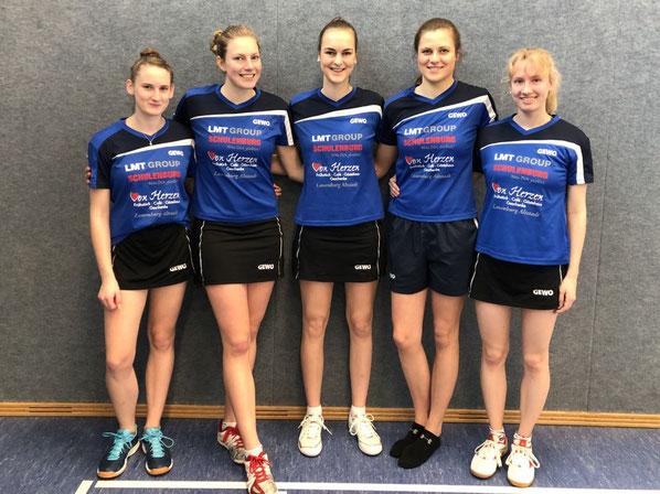 Die Oberliga-Girls des TSV Schwarzenbek setzten sich mit 8:1 gegen das Cottbuser TT-Team durch, ehe sie am Folgetag mit 8:4 gegen das Cottbuser TT-Team gewannen: v. l. n. r.: Michelle Weber, Ariane Liedmeier, Lena Mollwitz, Luisa Peters und Julia Smolengo