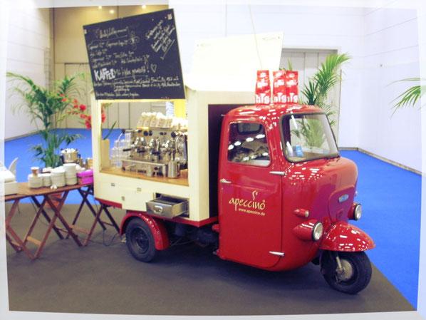 Oldtimer-Espressobar für Kaffeespezialitäten. Lambretta Piaggio Coffee-Bike Siebträger