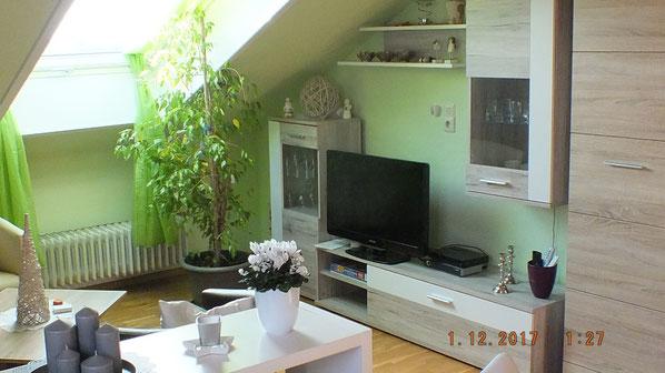 TV & DVD Anlage im Wohnzimmer