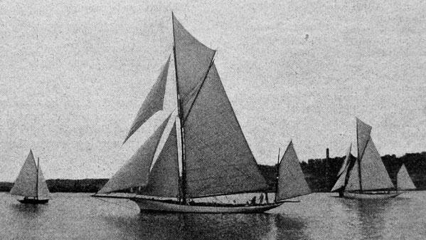 Le Yacht Men Hir (anciennement Gallia 1888) aux régates de Brest en 1910, il a été regréé en yawl