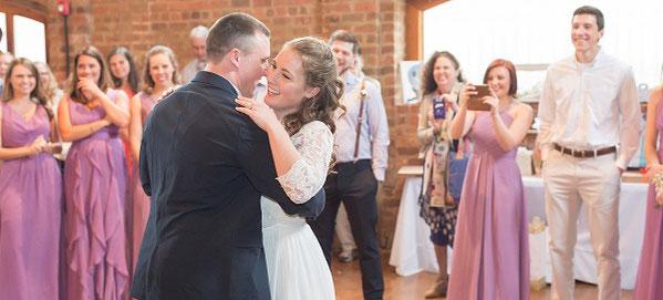 再婚での結婚式。どのようなスタイルにするべきか?