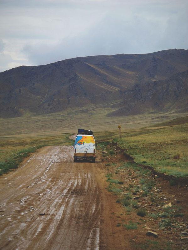 bigousteppes mongolie route rencontre camion mercedes