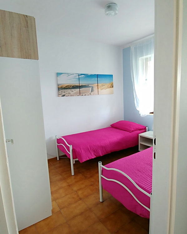 Green apt. - bedroom 2 single beds - Belvedere apartments Izola