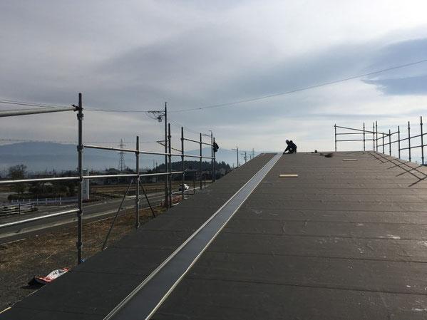 薪ストーブショールーム 安曇野市 建築家 建築設計事務所 店舗設計 現場監理 屋根工事 板金現場成型