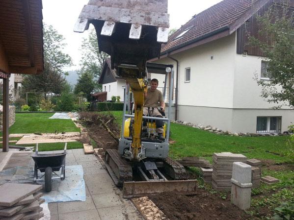 Gartenbau Brittnau  Bagger Erdbewegung