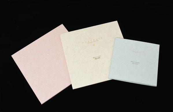 商品 表装の色を3色から選べる 、スタンダード和紙調台紙。 6切用と、キャビネ用があります。