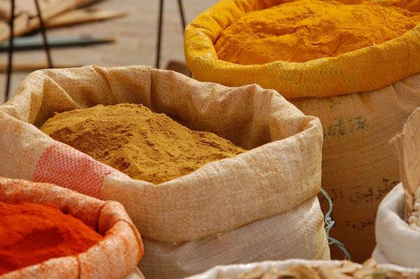 Epices sur un marché à Tataouine en Tunisie.