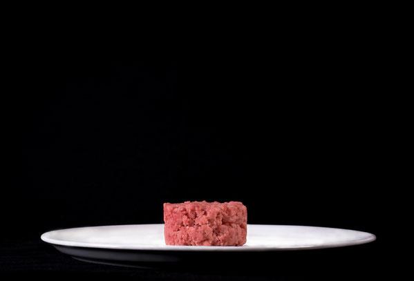Carne cruda di Fassone piemontese preparata al coltello Ombelico Rivoli
