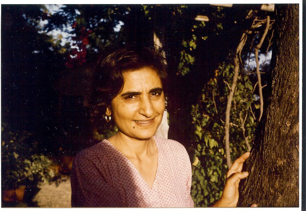 Meheru Irani 1975 taken by Anthony Zois - Meherazad, January 1975