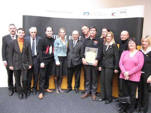 """Teilnehmerinnen und Teilnehmer bei der Preisverleihung """"Sterne des Sports"""" für die (Sport)Arbeit im Strafvollzug"""
