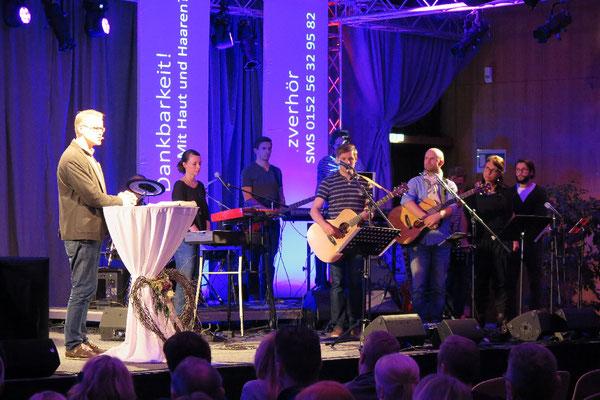 Markus Wäsch mit der Prochrist-Live-Band