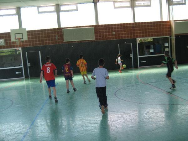 Ballbeherrschung ist kein Problem für die jungen Kicker.