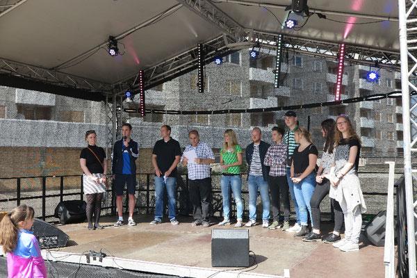 Bei der Preisverleihung auf dem Stadtteilfest 2017 zum KIJU-Wettbewerb der Interessengruppe Kinder und Jugend in Westhagen