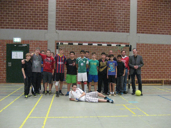 Teilnehmer der Finalrunde vor den Spielen