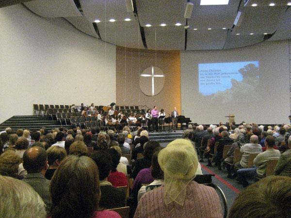 Vollbesetzt war die Immanuelgemeinde beim Konzert während des Gottesdienstes