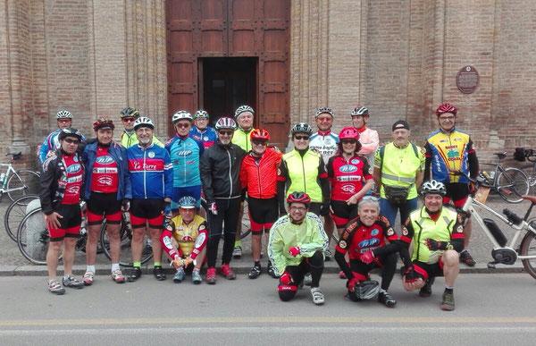 1 Maggio 2018 - gruppo di pellegrini in bicicletta verso il Santuario di S. Luca a Bologna
