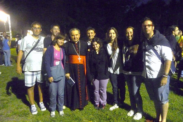 Una rappresentanza del Gruppo Giovani che parteciperà alla GMG a Madrid...insieme al Card. Caffarra all´incontro in Seminario a Bologna