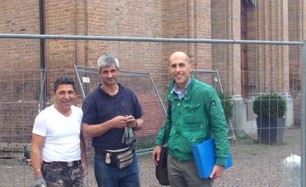 Vincenzo, Giuseppe e il direttore dei lavori geom Omar Zerbinati