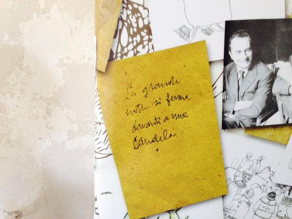 """Piccole frasi di Tonino Guerra, all'ingresso del suo """"Museo"""" a Sant'Arcangelo di Romagna"""