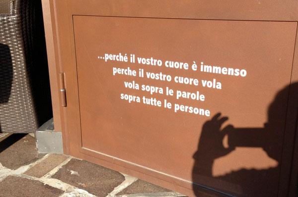 Da una canzone di Povia, scritta trovata sulla porta del Bar di Badia, prima di Calderino ...
