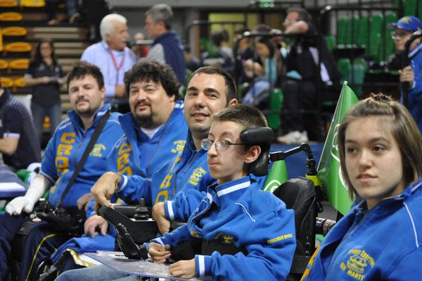 Martina Manzini, la prima a destra, con Nunzio, Luca Lorenzo e Mirko