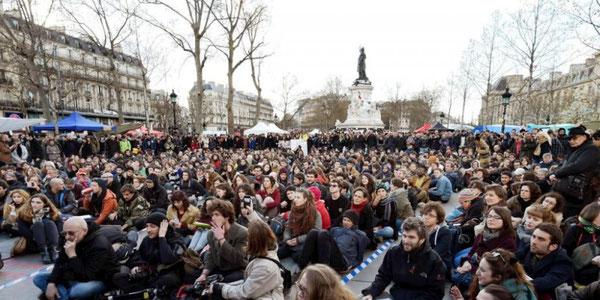 """""""Nuit debout"""" - bevægelsen på 'Place de la République' i Paris"""