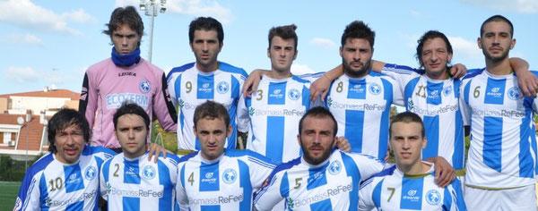 Nela foto l'undici titolare della Pescara Nord battuto nella stagione 2011/10 alla quinta giornata